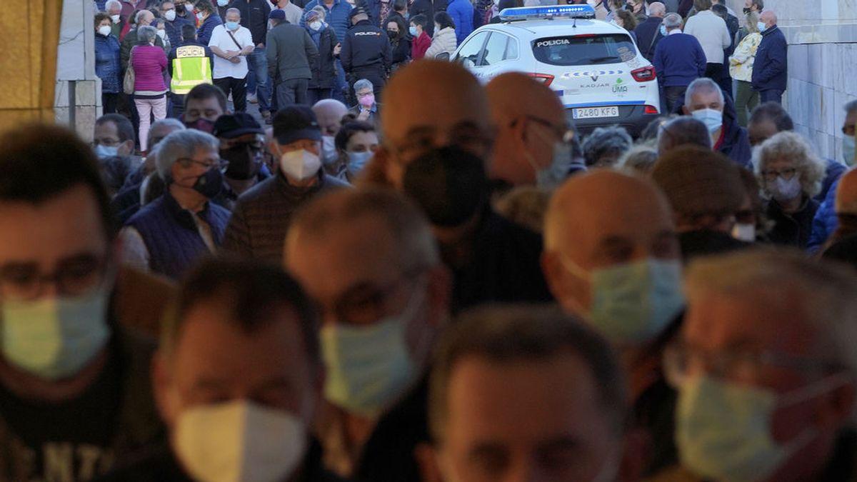 España logra otro récord de vacunación con 450.000 dosis en un día y supera los tres millones con pauta completa