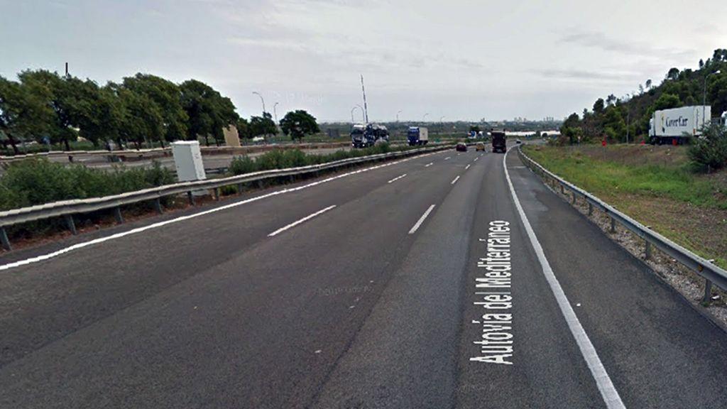Los Mossos hallan un cadáver el el coche de un kamikaze tras 30 kilómetros de persecución en la AP-7