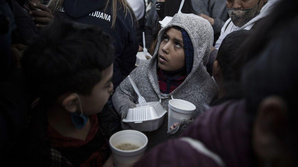 El escándalo migratorio en EEUU: más de 20.000 niños migrantes solos bajo custodia de EEUU