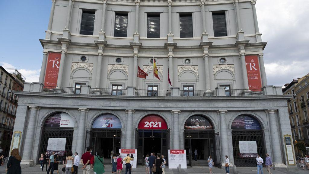 Detectan 24 casos de coronavirus en el Teatro Real días antes del estreno de la ópera 'Peter Grimes'