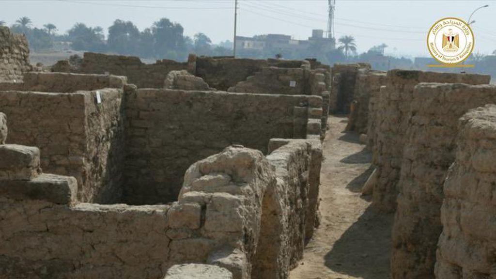 Descubren bajo la arena la 'Ciudad dorada perdida' de Luxor, Egipto, de 3.000 años de antiguedad