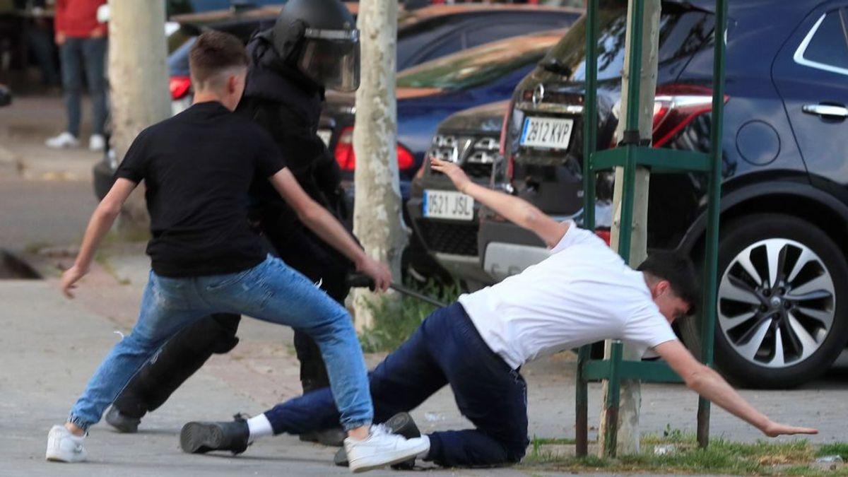 35 heridos, 21 de ellos policías, en los disturbios del mitin de Vox en Vallecas