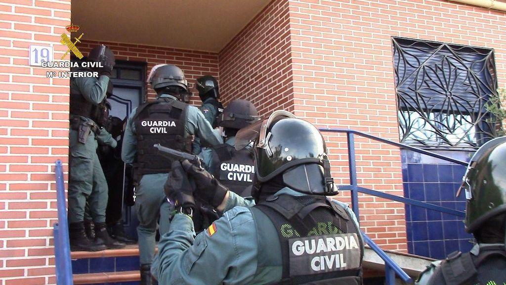 Detenido un exhibicionista por acosar y amenazar a cuatro jóvenes dejándoles mensajes en el coche en Cuenca