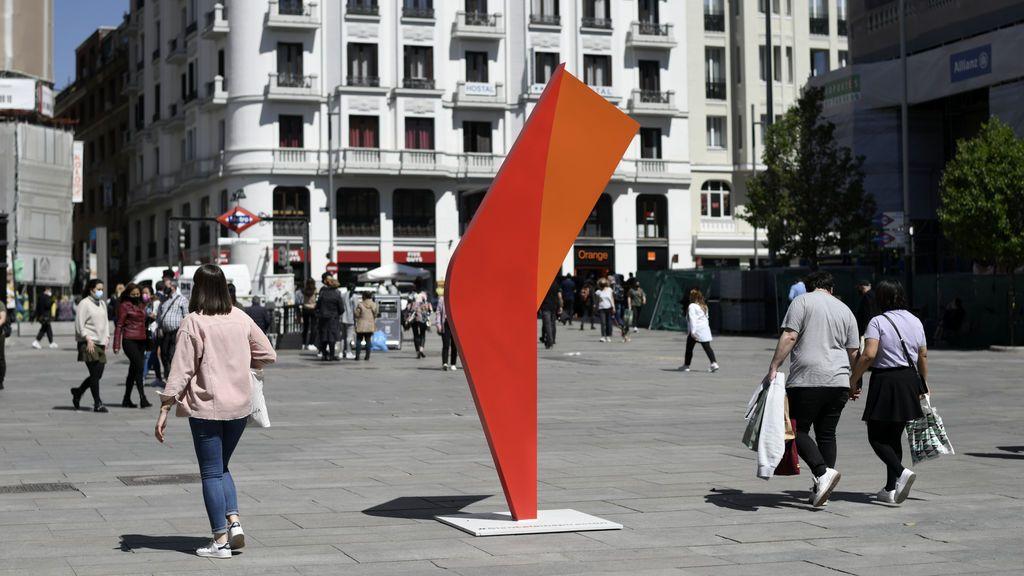 Aparecen dos esculturas idénticas en el centro de Madrid sin que se conozca el motivo ni el autor