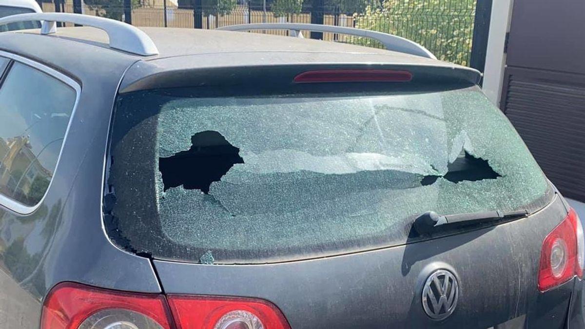 """La nota de civismo de un niño sevillano sobre el parabrisas de un coche: """"He roto sin querer su cristal. Disculpe"""""""
