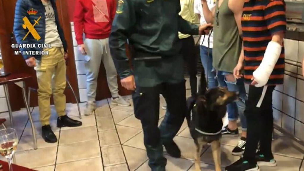 Descubren droga en un local inspeccionado por una fiesta ilegal