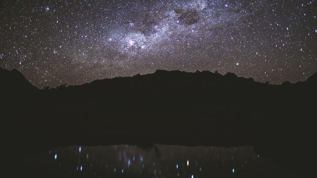 Miles de toneladas de polvo de meteorito llueven sobre la Tierra cada año, descubre un estudio