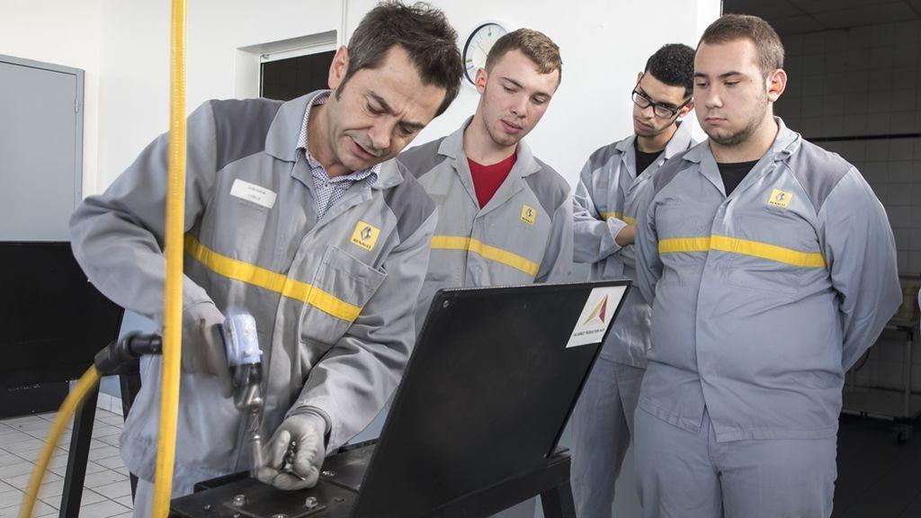 Del primer Máster en Fabricación de Baterías a la Escuela de Repartidores: qué estudiar para trabajar en automoción