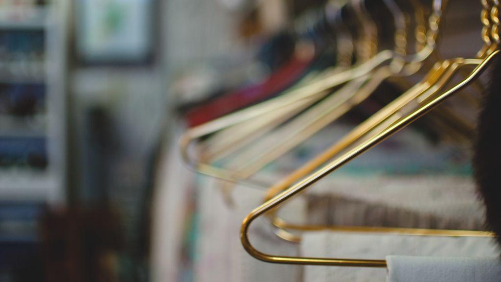 Cambio de armario: claves para organizarlo y no morir en el intento