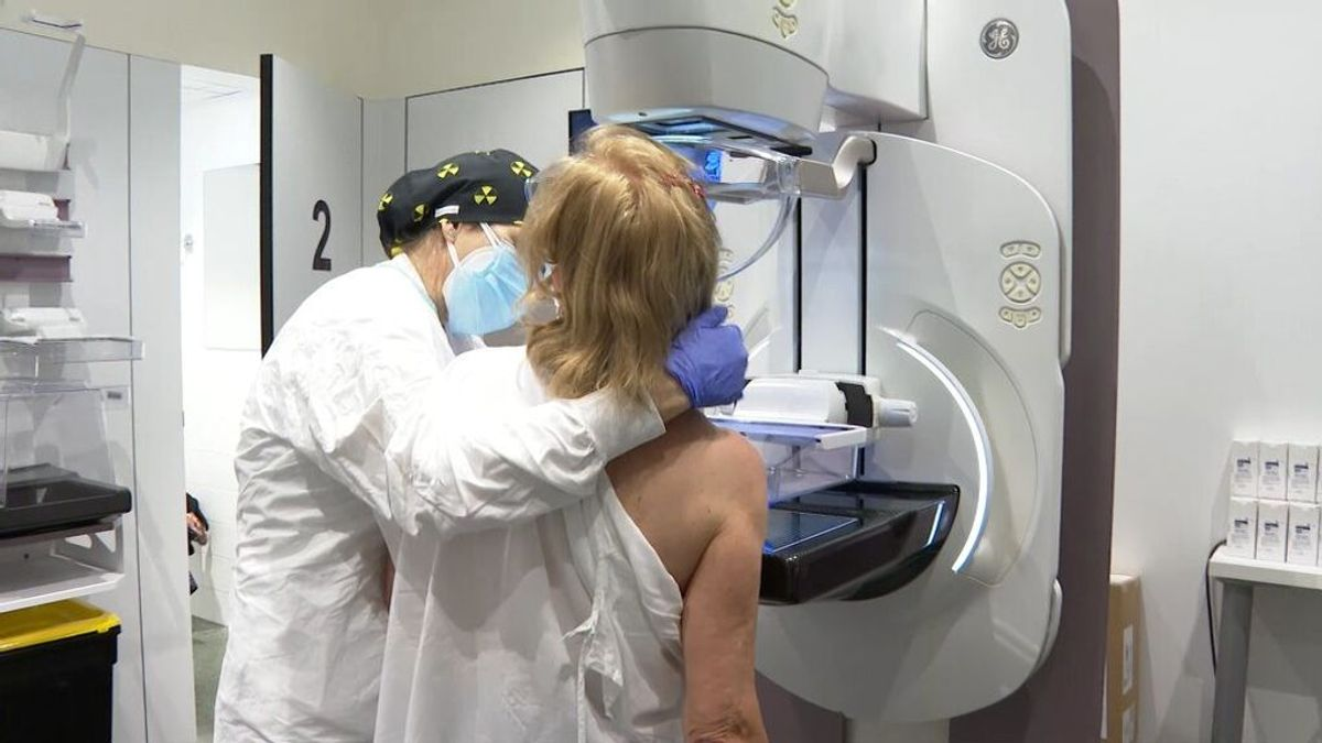 Desarrollan un modelo capaz de predecir el riesgo de una mujer de tener cáncer de mama a 20 años vista