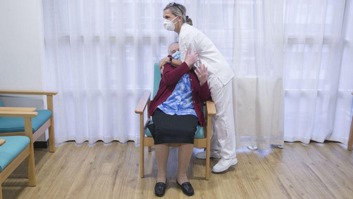 Las muertes en residencias bajan en un 99% en mes y medio gracia a las vacunas