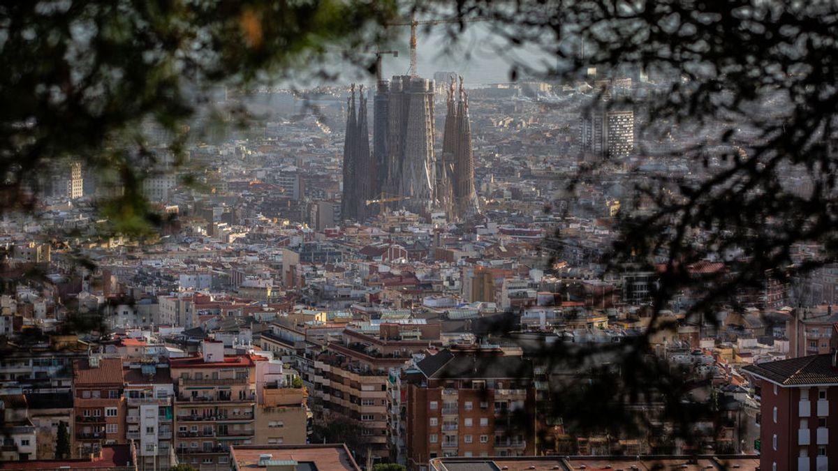 Sube ligeramente la incidencia acumulada en Cataluña mientras se mantiene el ritmo de contagios diarios