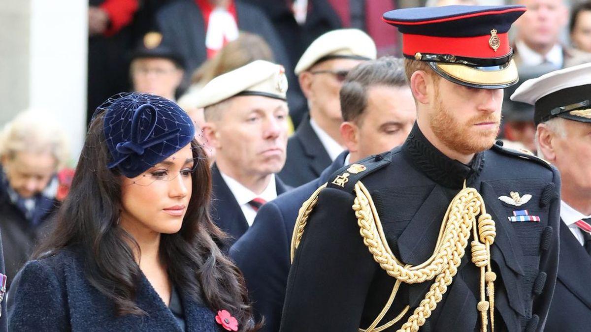 Meghan y Harry rinden en la distancia un sentido homenaje al Duque de Edimburgo