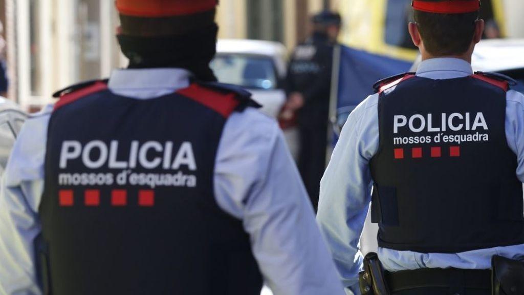 Una mujer recibe un tiro en un pie en el barrio barcelonés de la Mina