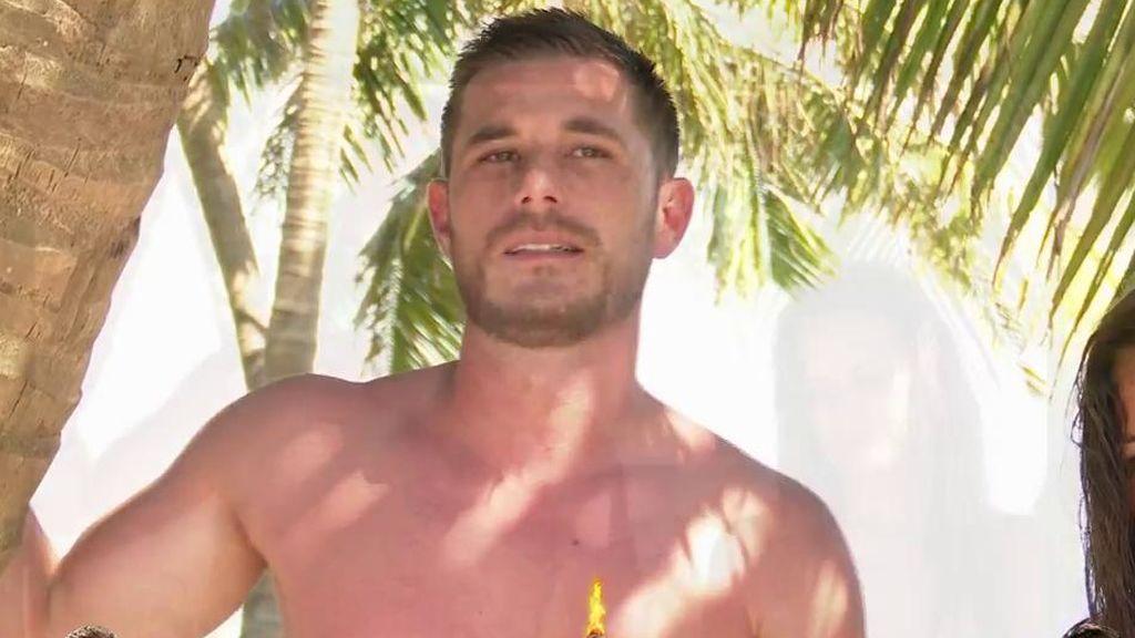 Tom Brusse desvela cómo es volver a amanecer con Melyssa ante la atenta mirada de su novia Sandra Pica