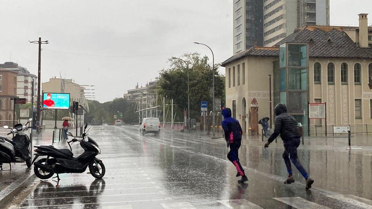 Las tormentas mantienen a Cataluña en prealerta, con granizo en localidades como Vergés, Girona