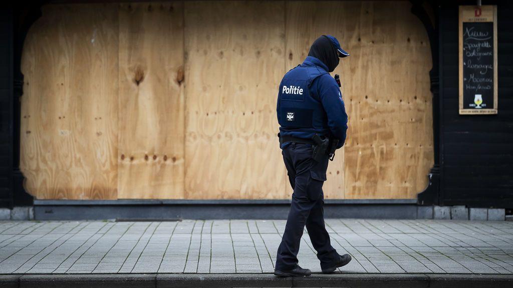 Muere un joven belga al caerse de una ventana durante una operación contra una fiesta ilegal en Amberes