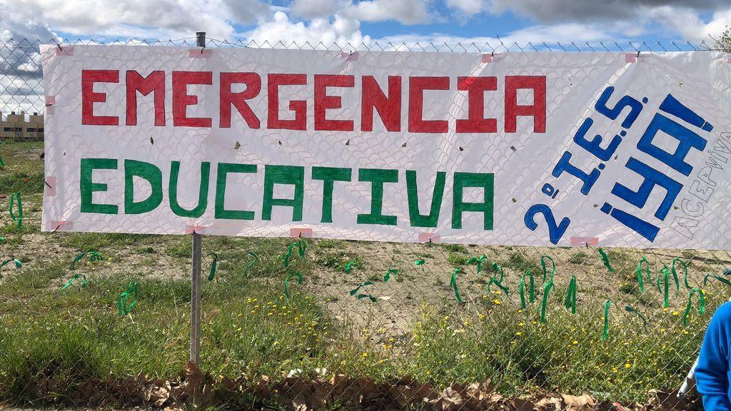 Movilización de vecinos en Villa de Vallecas: reclaman una plaza educativa pública de calidad y sin masificación