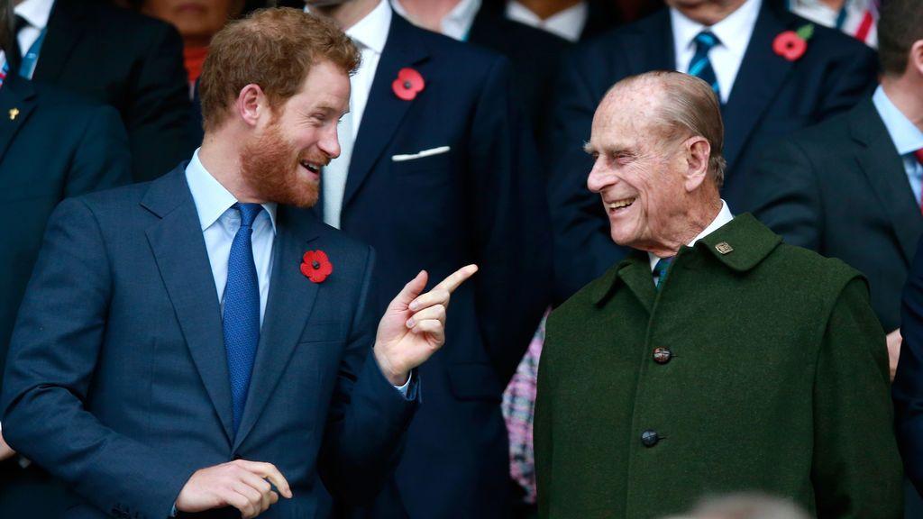 El príncipe Harry regresa a Reino Unido, un año después y sin Meghan, para el funeral del duque de Edimburgo