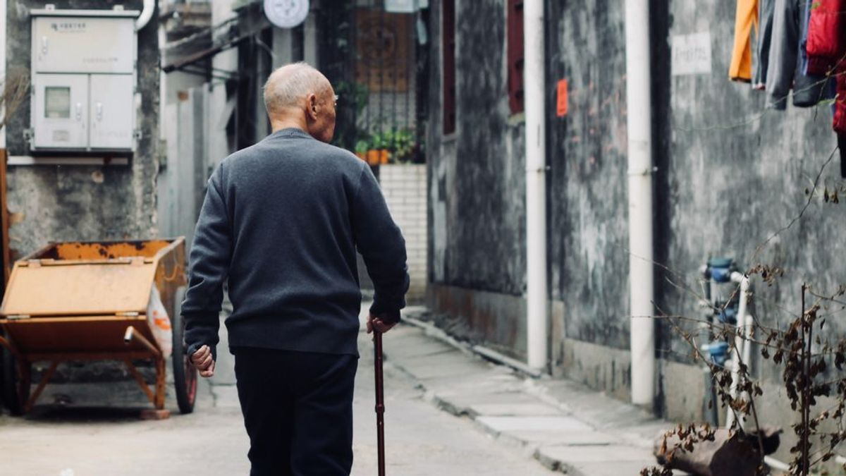 Prevenir las caídas en personas mayores: consejos para vivir independientes y sin miedo