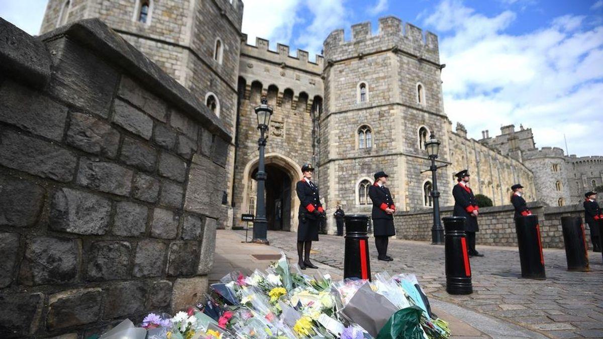 """En directo: Muere el Príncipe de Edimburgo """"fortaleza"""" de la reina de Inglaterra a los 99 años"""