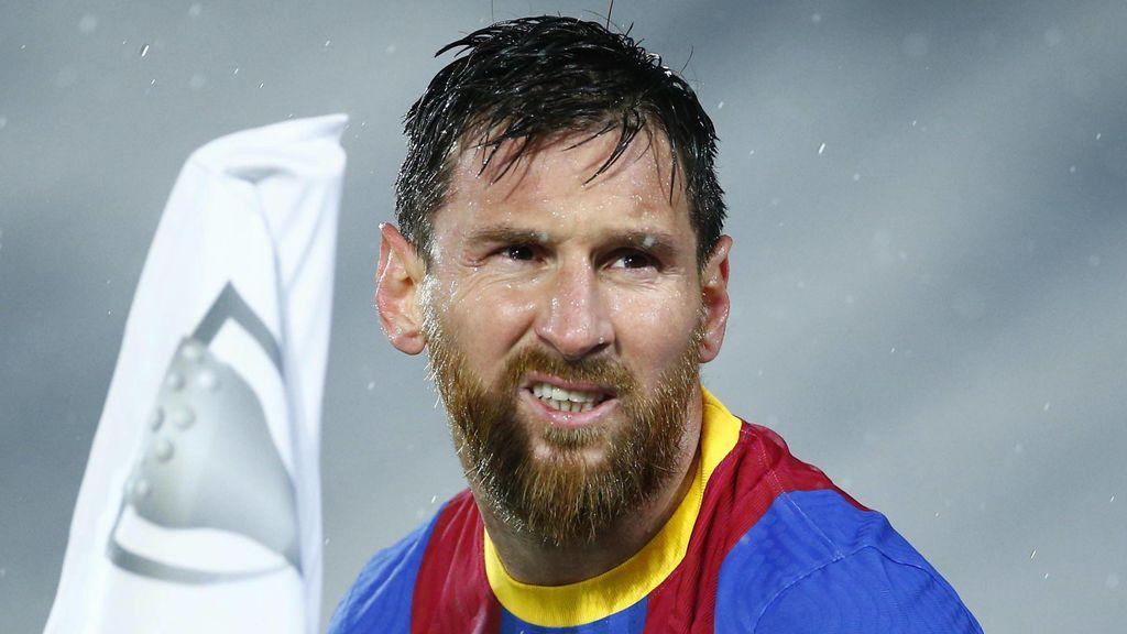 Messi, más cerca de la renovación un mes después de la llegada de Laporta: no ve clara su salida a París ni Manchester