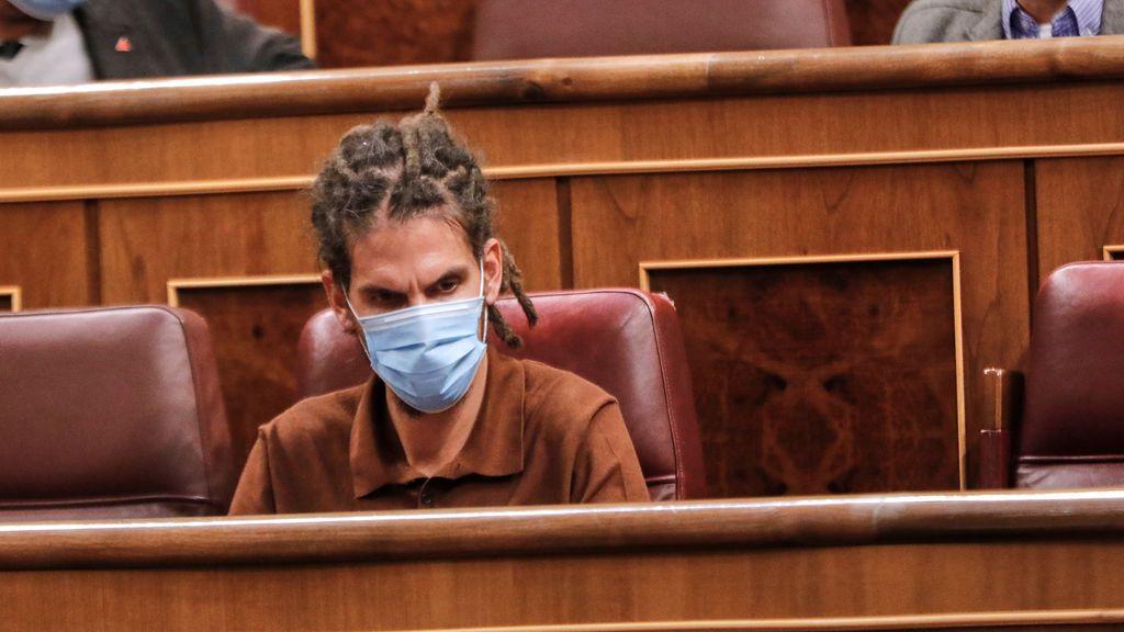 El Supremo propone juzgar al diputado de Podemos Alberto Rodríguez por pegar una patada a un policía