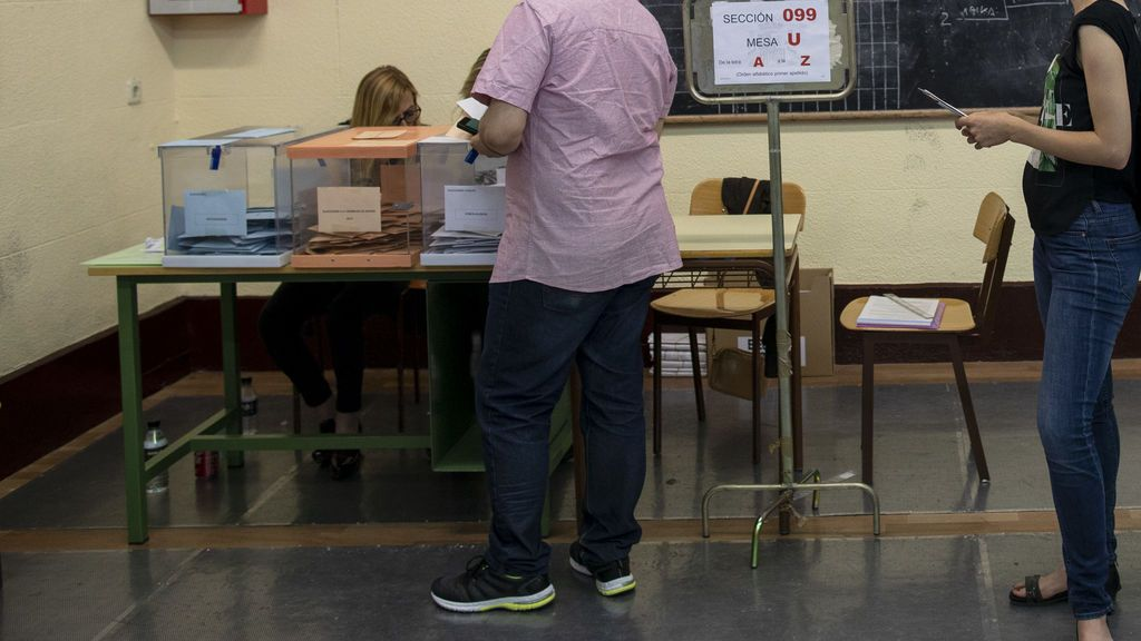 Quiero ir a votar el 4-M pero trabajo: ¿puedo ausentarme de mi puesto?
