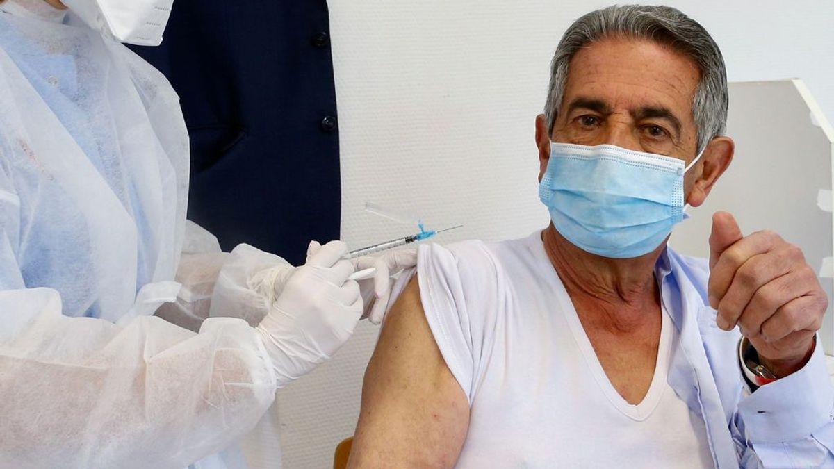 Revilla, en cuarentena por un contacto estrecho horas después de vacunarse