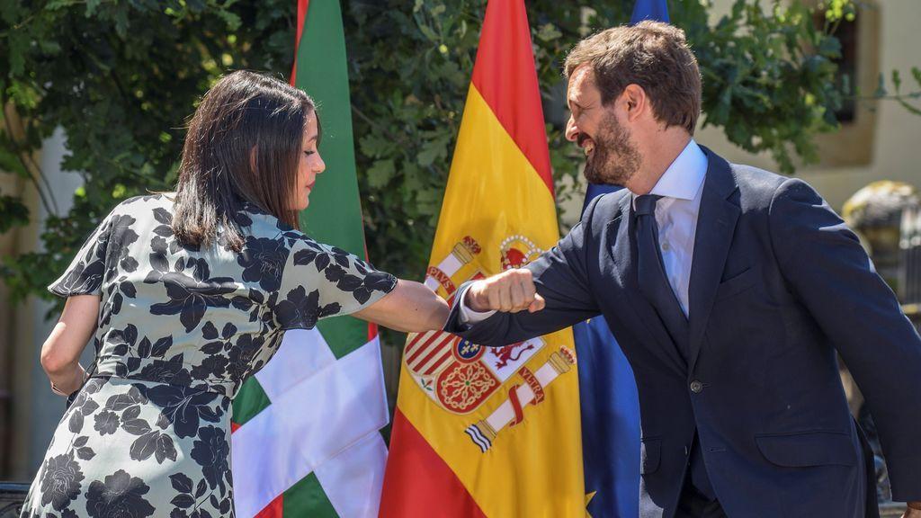 """Casado ofreció a Arrimadas ser portavoz en el Congreso bajo la marca PP y ella responde que """"Ciudadanos no está en venta"""""""