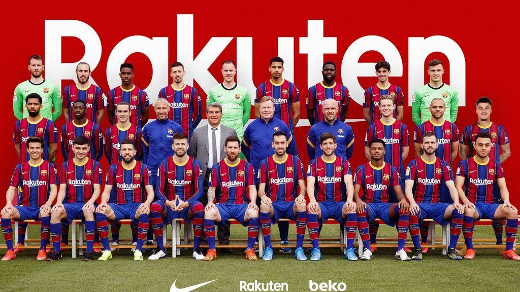 Las curiosidades de la foto de 'familia' del Barcelona: Coutinho de intruso y el guiño de Piqué a Neymar