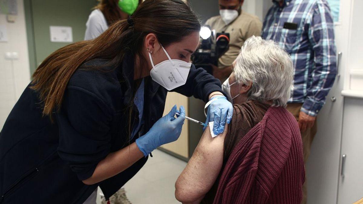 La vacuna de Pfizer reduce la mortalidad en un 98%, según un estudio pionero