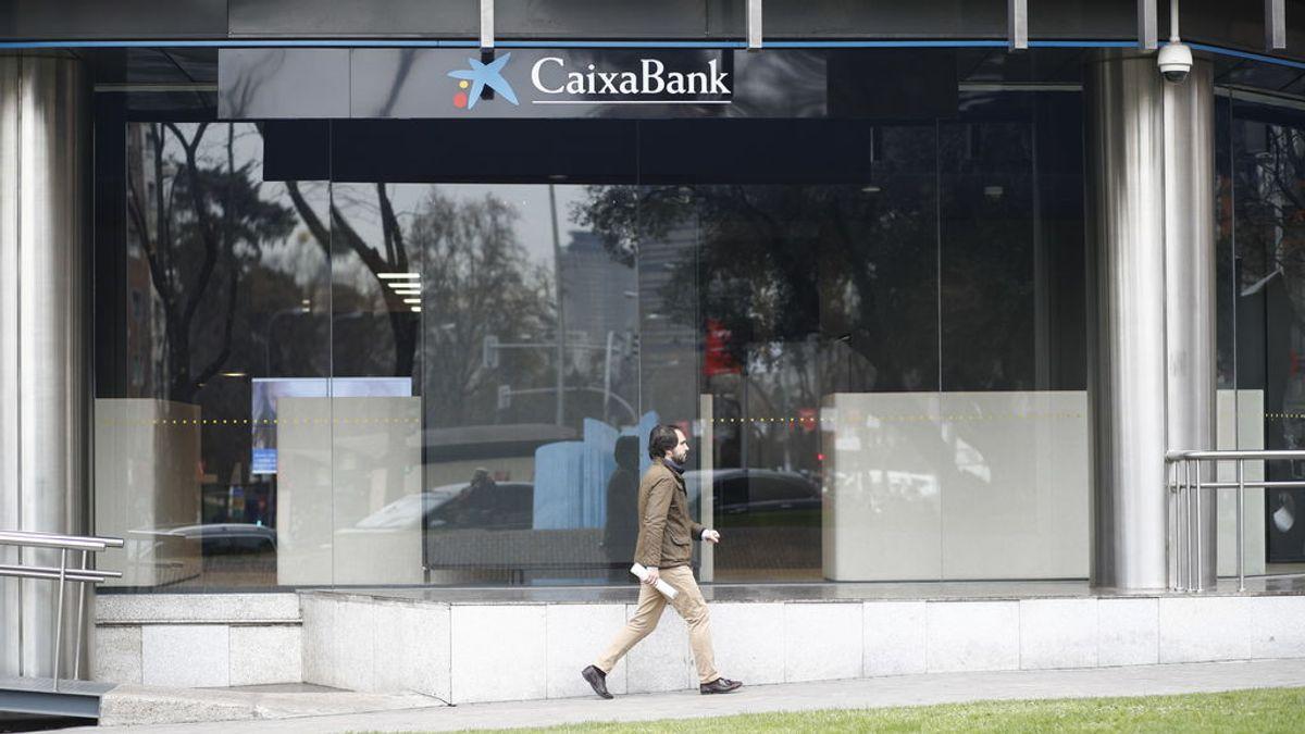 UGT calcula que el ERE de Caixabank y BBVA supondrá la salida de 13.000 empleados