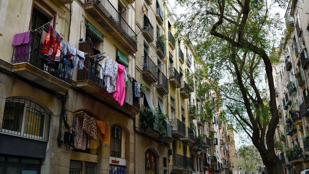 Muere una mujer de 75 años al caer al patio cuando iba a tender la ropa en Gijón