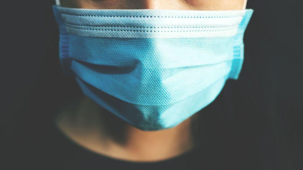 No es cierto que la mascarilla nos provoque halitosis o tinción en los dientes: Te contamos el porqué
