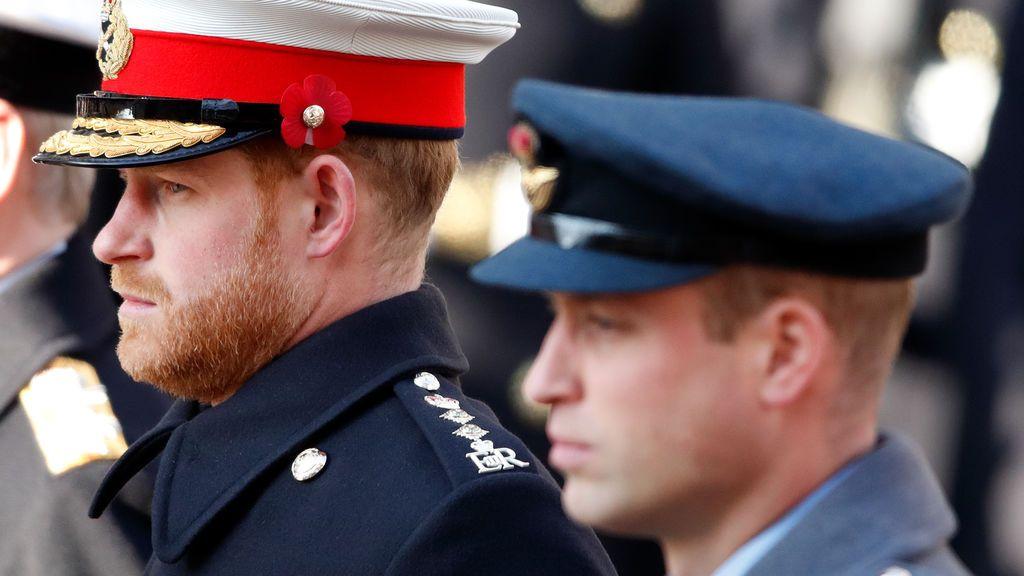 Tensa conversación telefónica entre el príncipe Guillermo y su hermano Harry: la duquesa de Cambridge tuvo que mediar