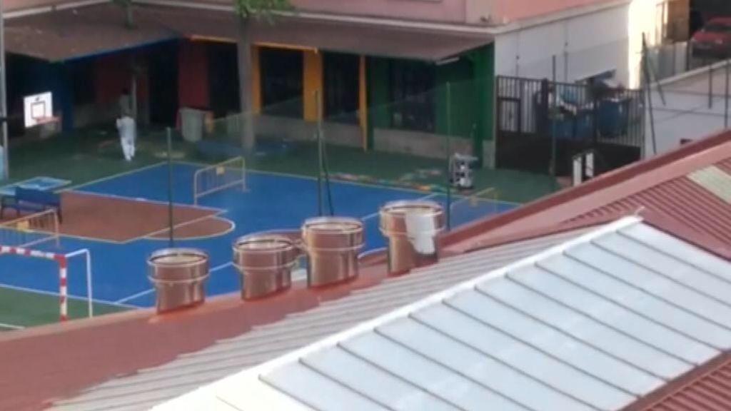 """Una cocina fantasma al lado de un colegio: """"Esto supone contaminación e inseguridad vial para casi mil menores"""""""
