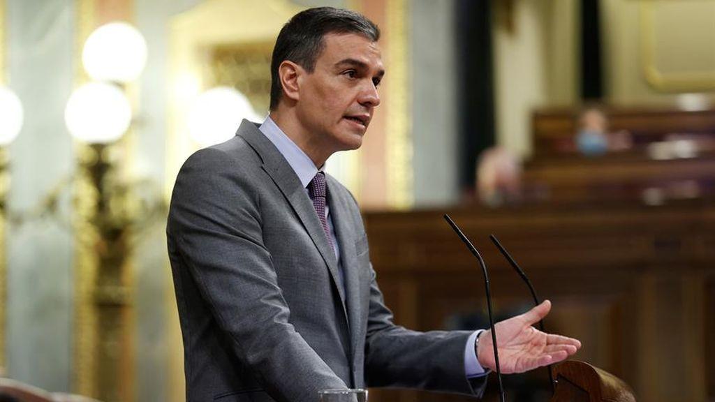 Sánchez garantiza en el Congreso que cumplirá el calendario de vacunación contra el covid