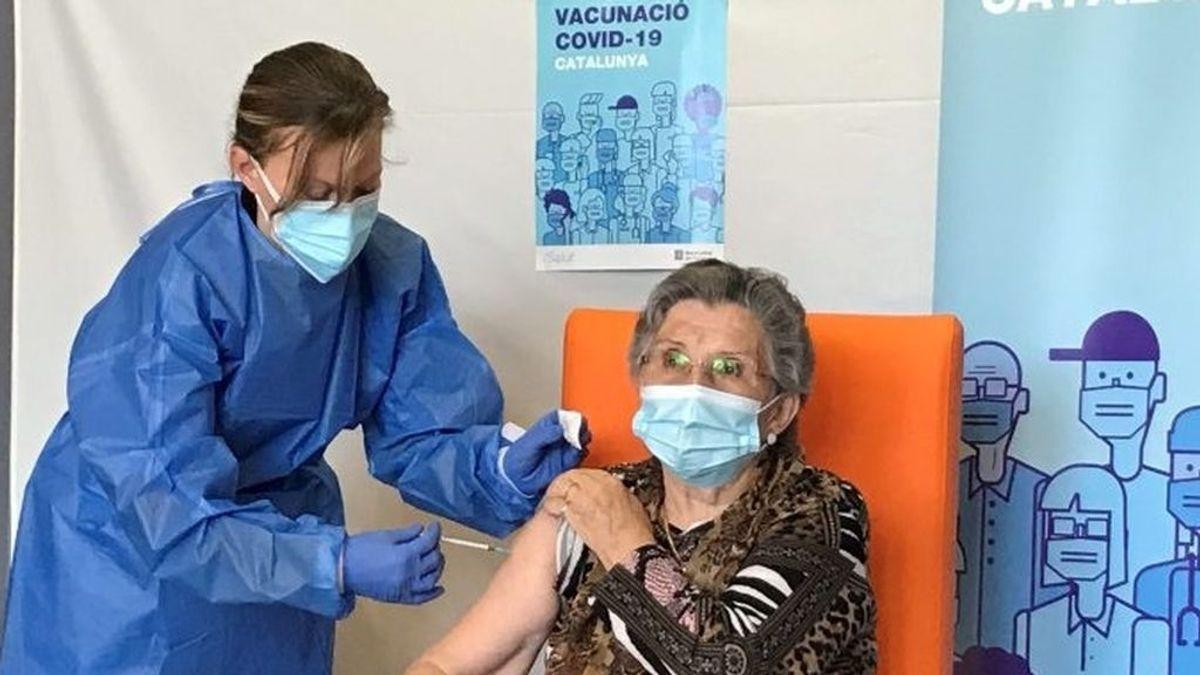 Cataluña pide espaciar 21 días más la segunda dosis de Pfizer para vacunar a más población