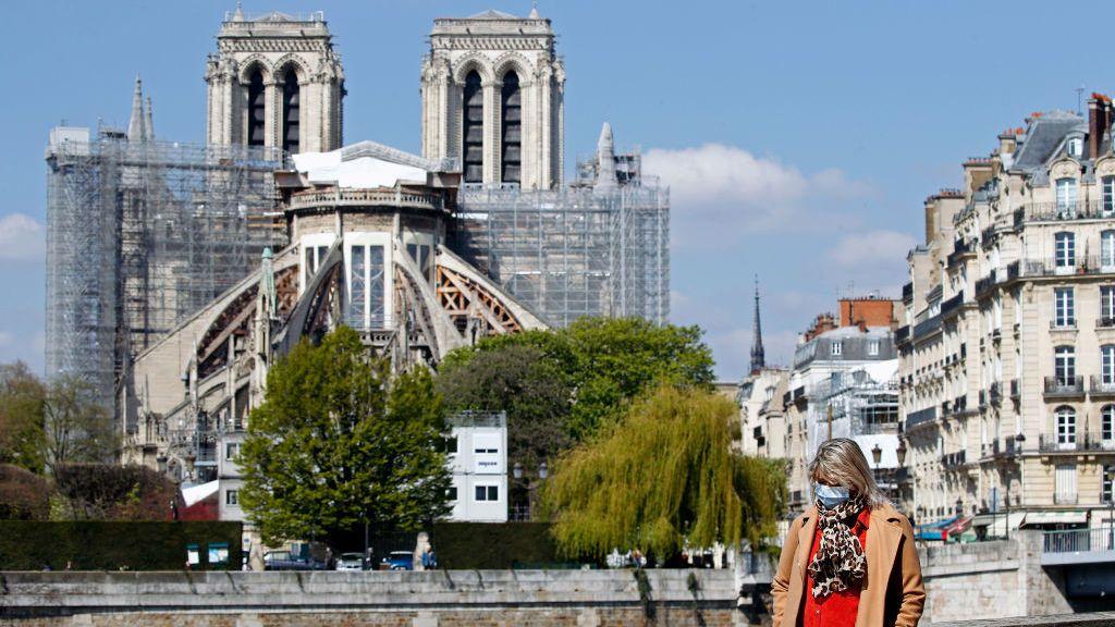 Notre Dame, dos años después del incendio que la arrasó piensa a una reapertura en 2024