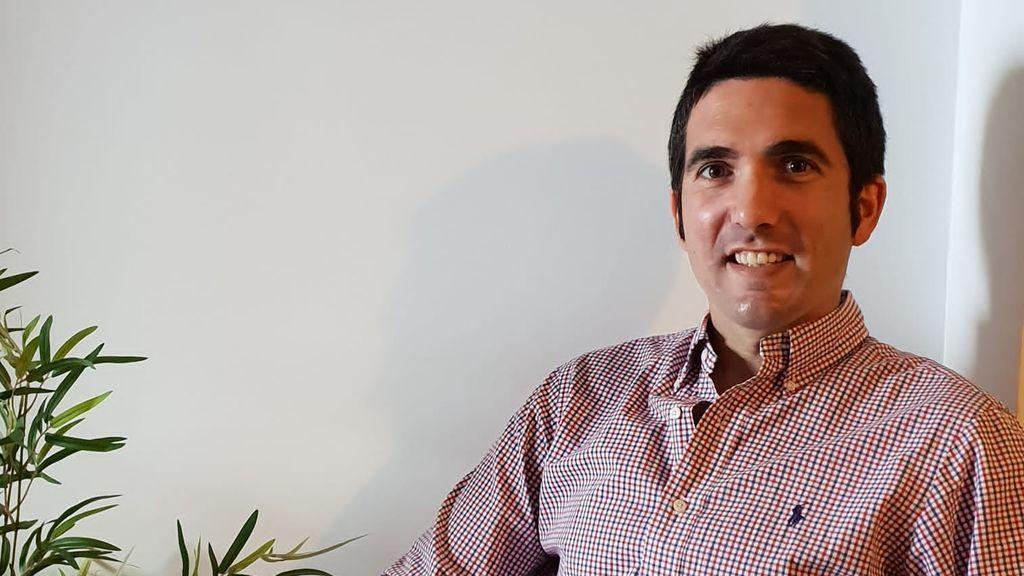 Carlos Solas, un joven de 31 años, retrata la esofagitis eosinofílica