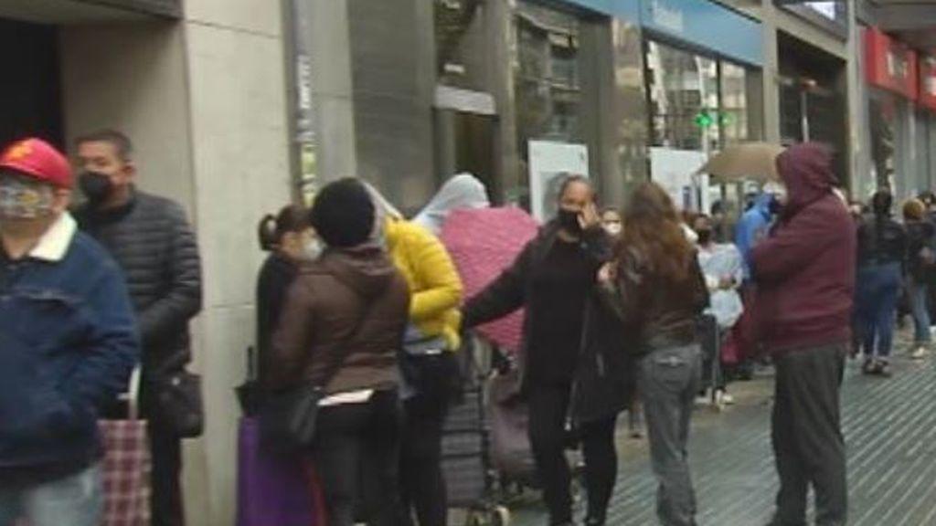 250 personas acuden a las 'colas del hambre' en Valencia