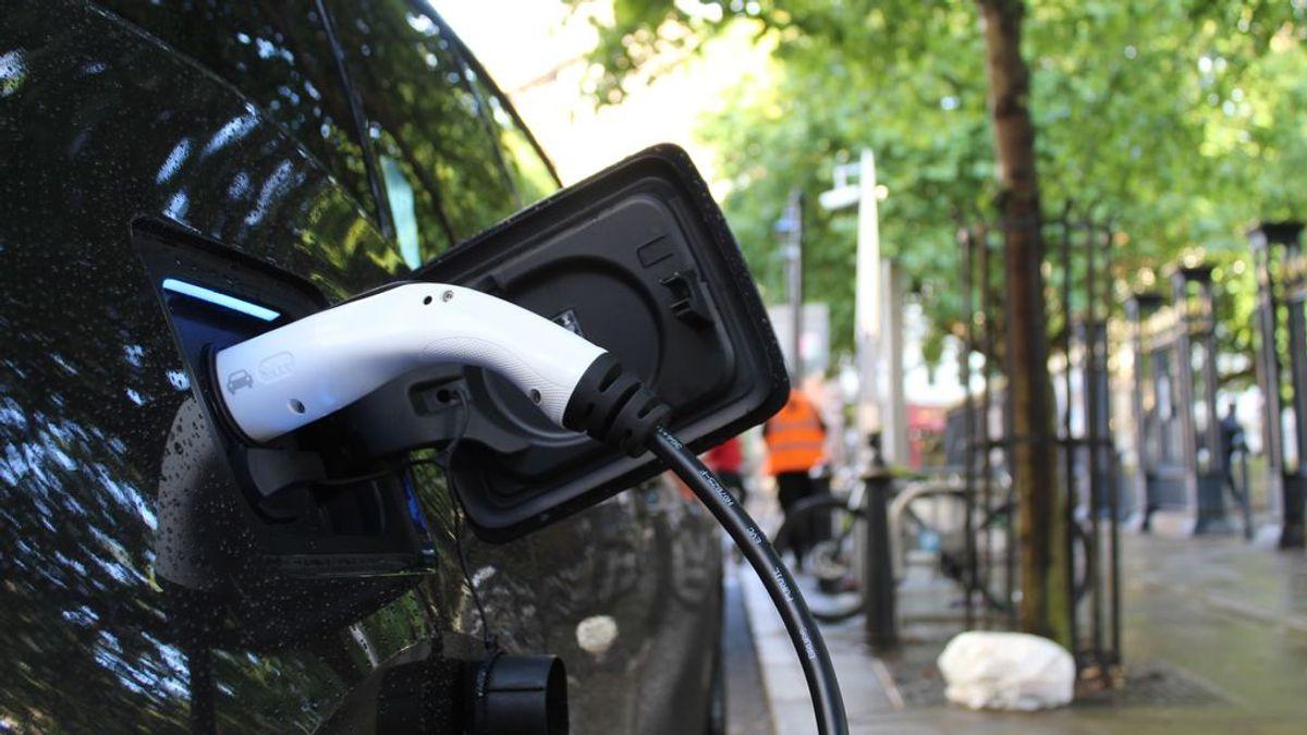 ¿Quieres comprarte un coche eléctrico? Requisitos para pedir las nuevas ayudas del plan Moves III