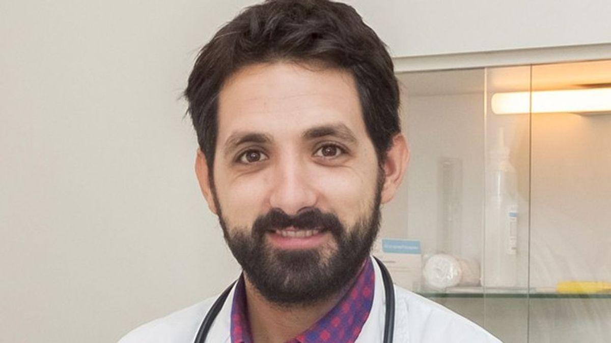 """Pablo Demelo, especialista en trombosis: """"A mi madre le toca AstraZeneca y estoy deseando que la vacunen"""""""