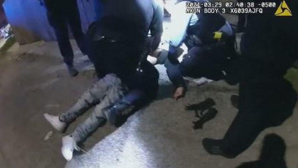 El vídeo de un policía que mata a un joven de 13 años con las manos en alto indigna a EE.UU.