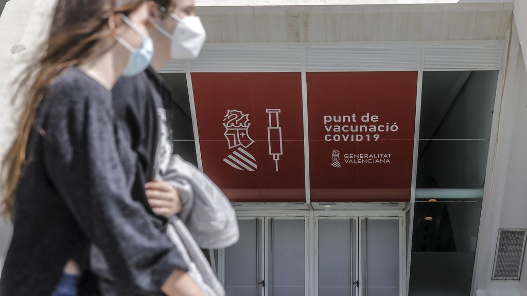 España baja a 99 muertos pero suben a 9.788 los hospitalizados por covid