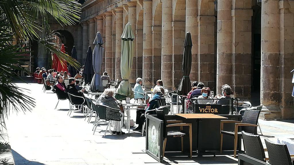 En Euskadi sólo está permitido el consumo en terrazas, salvo el desayuno y almuerzo