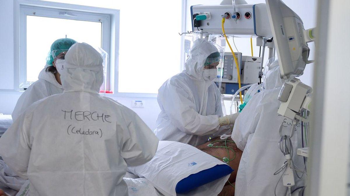 España se queda cerca pero no llega al objetivo: todavía hay más contagiados que personas con pauta completa de vacunación