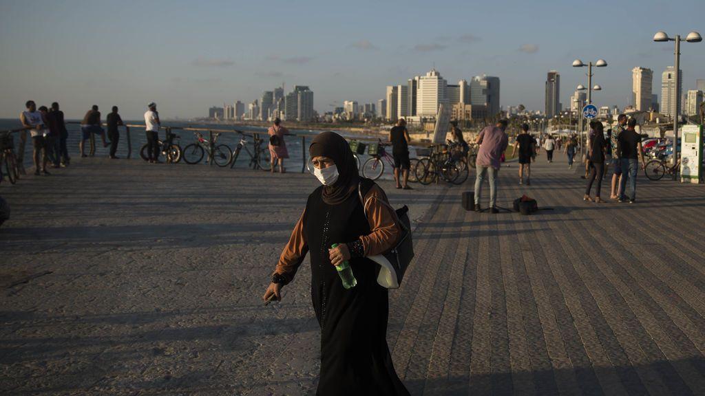 Los israelíes ya no deberán usar mascarilla al aire libre a partir de domingo