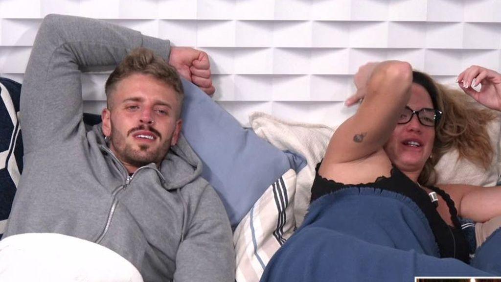 Samira se confiesa con Óscar